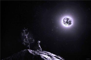 Broken moon purple